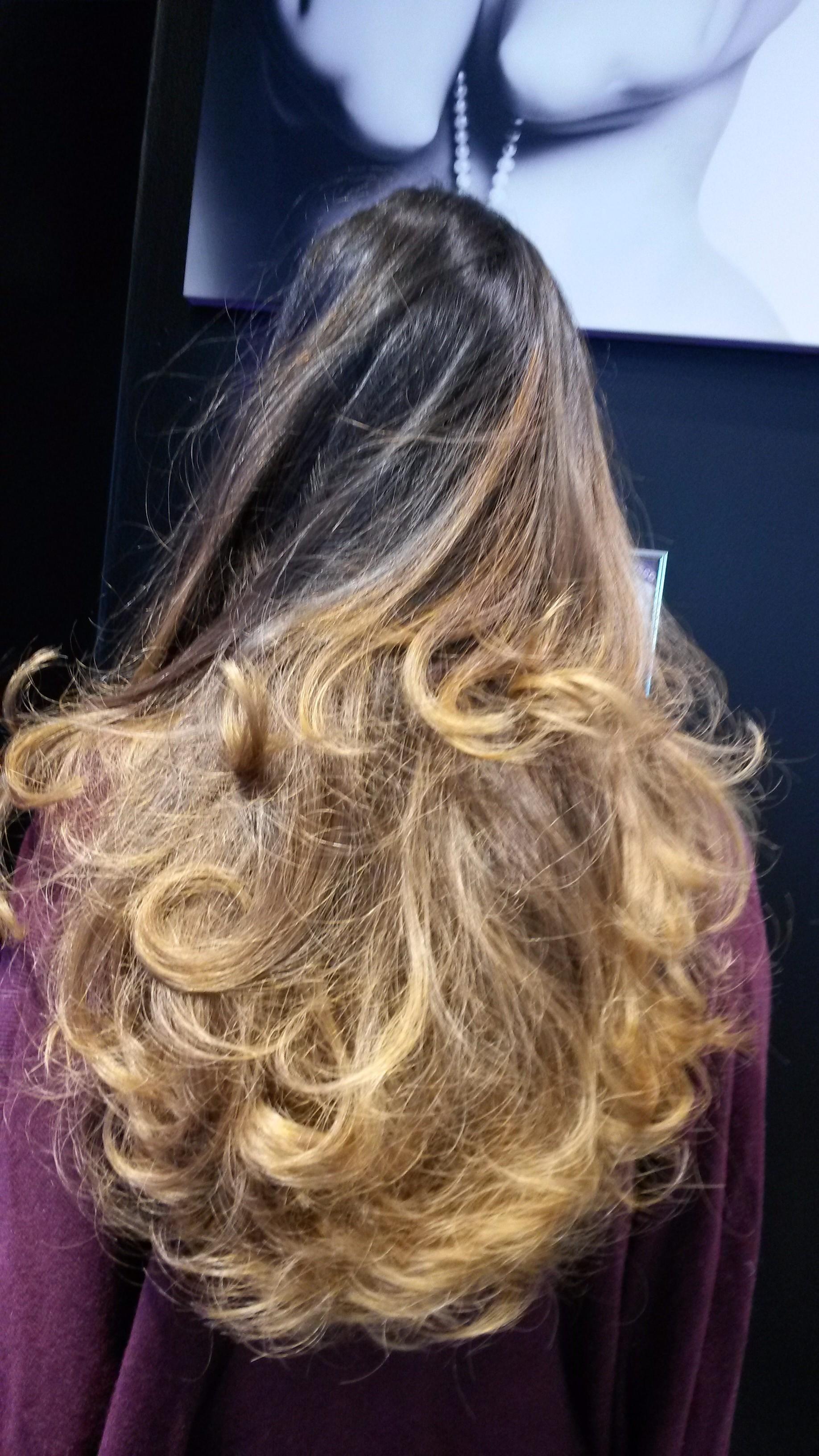bien entendu il est hors de question dessayer de vous faire votre ombr hair la maison malgr les tous les tutoriels disponibles sur internet - Ombr Hair Maison Sur Cheveux Colors